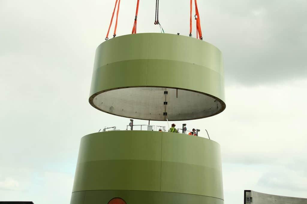 Windradturm wird gebaut