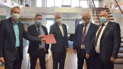 Übergabe Fördermittelbescheid an die Initiatoren der Energiefabrik Lübesse