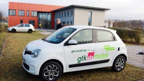 gtk-mobil-Fahrzeug auf Parkplatz am TGZ.