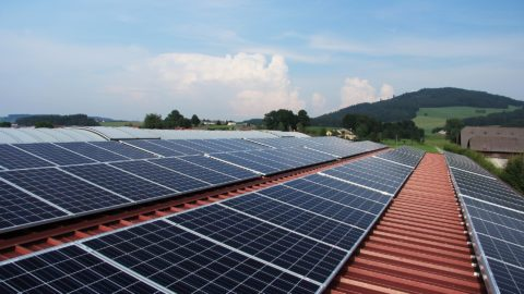 Solaranlagen auf einem Dach